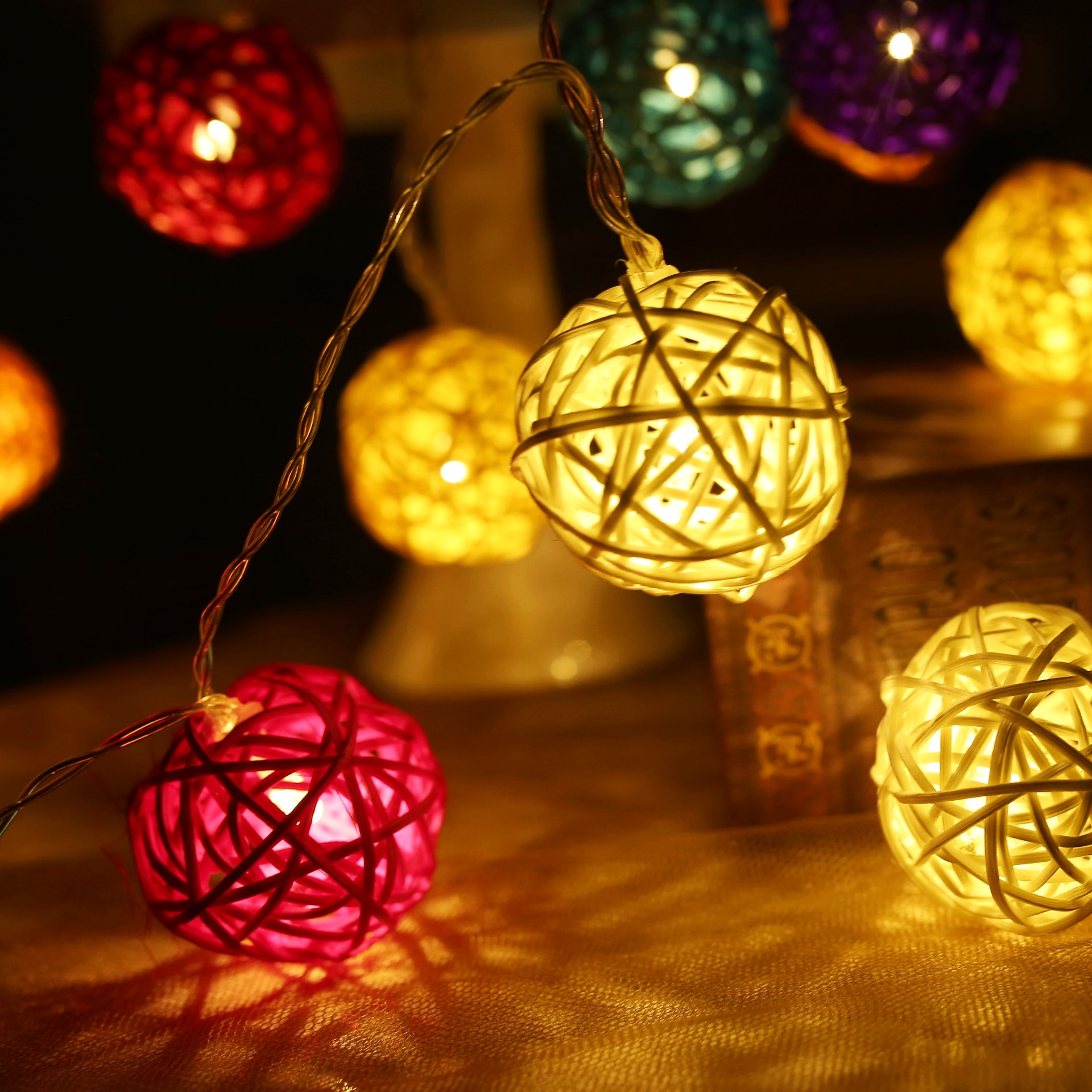 Decorative Stylish Ball LED Lights 5 Meters 16 Feet 20 Lights